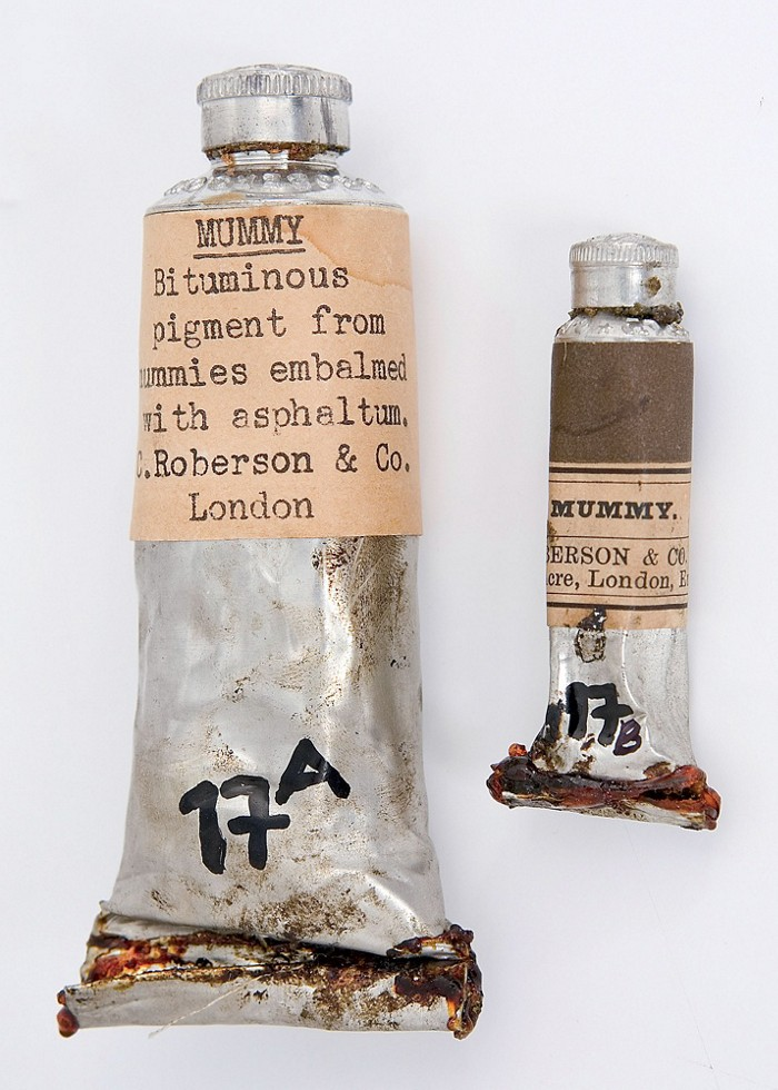 09623-feature1-mummy.jpg
