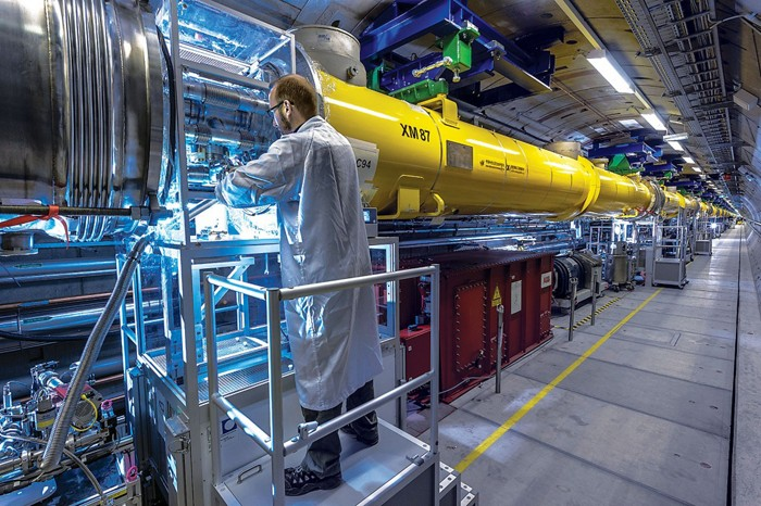 Making molecular movies at Europe's powerful X-ray laser